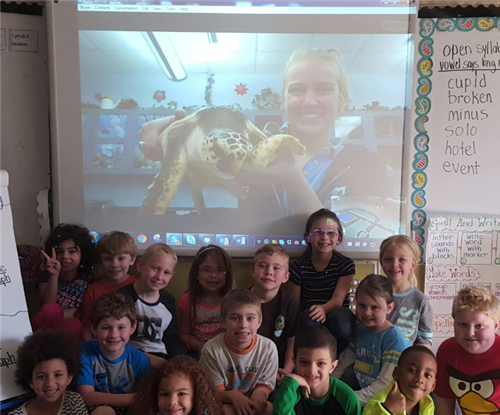 Class Picture with Samantha and a Sea Turtle